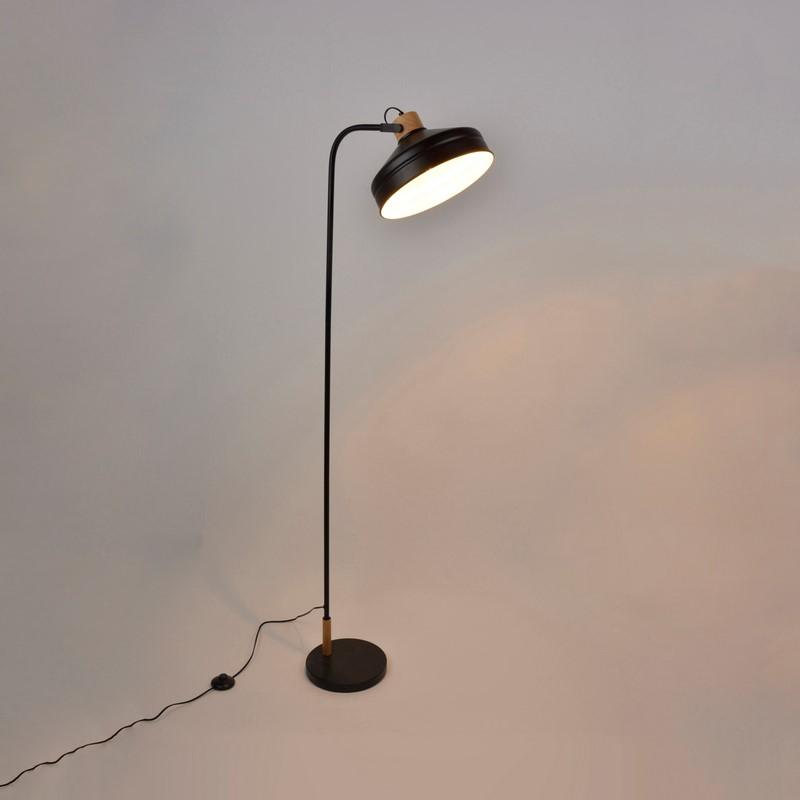 Lampadaire noir mat 1 lumière Clayton